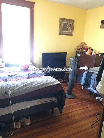 Everett Apartment for rent 3 Bedrooms 1 Bath - $2,300