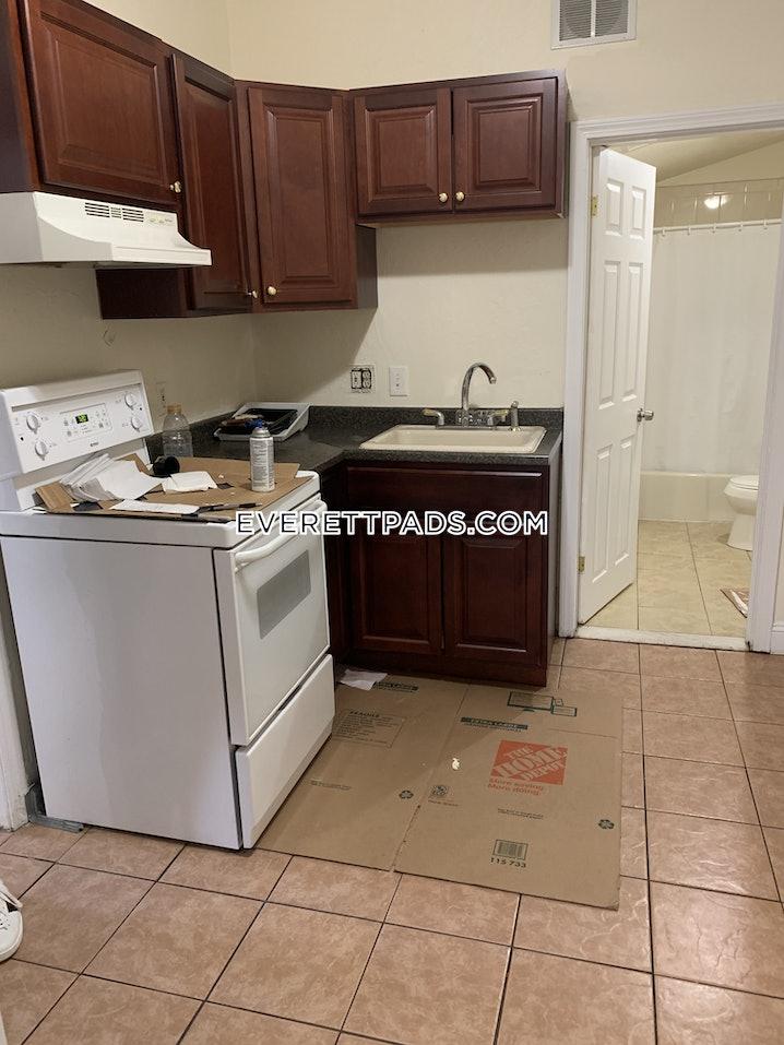 Everett - 2 Beds, 1 Bath - $2,400