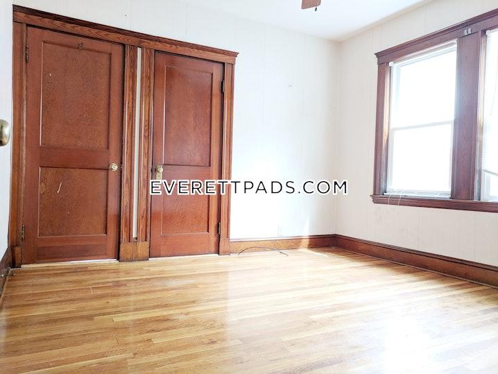 Everett - 2 Beds, 1 Bath - $2,200