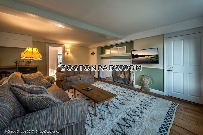 Gloucester Apartment for rent 3 Bedrooms 2 Baths - $2,600