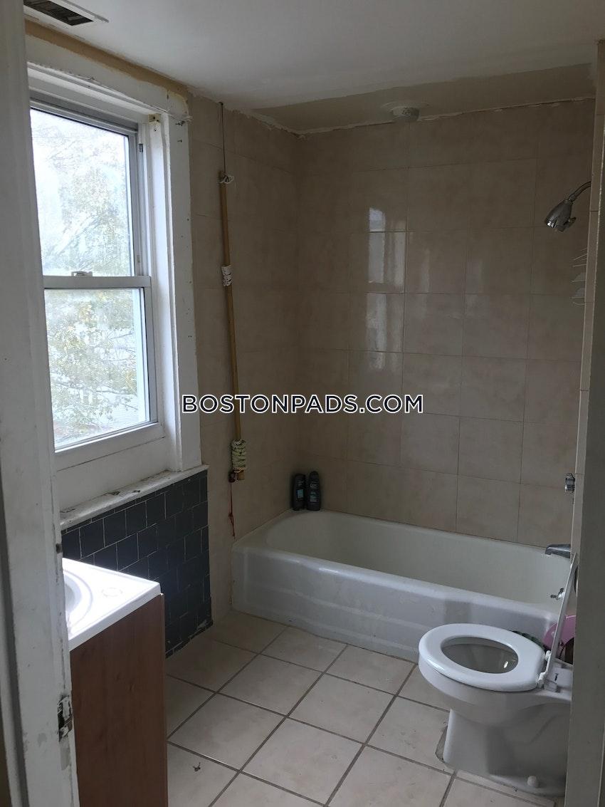 LYNN - 2 Beds, 1 Bath - Image 53