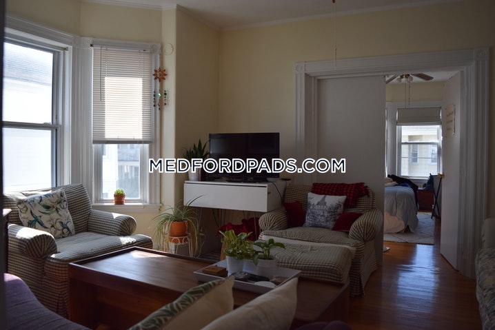 Medford - Tufts - 3 Beds, 1 Bath - $2,850