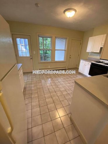Tufts, Somerville, MA - 4 Beds, 1 Bath - $2,550 - ID#3819689