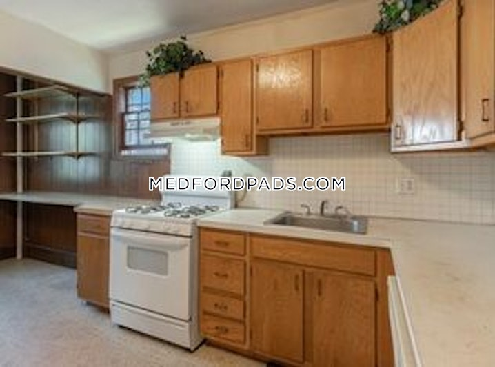 Medford - Wellington - 3 Beds, 1 Bath - $2,400
