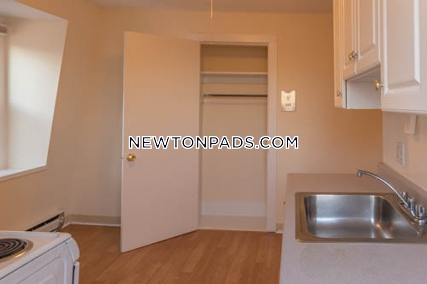 NEWTON - NEWTON HIGHLANDS - Studio , 1 Bath - Image 5