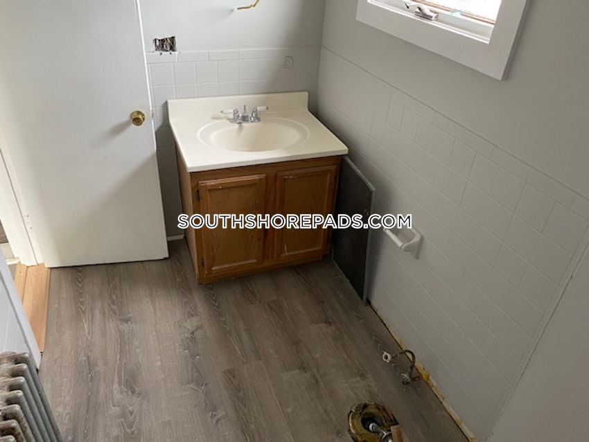 PLYMOUTH - 3 Beds, 1 Bath - Image 6
