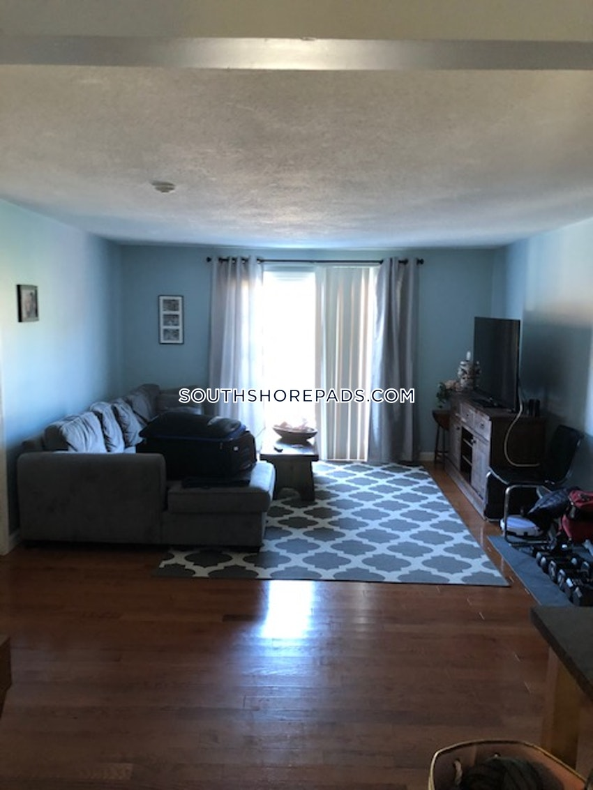 PLYMOUTH - 2 Beds, 1 Bath - Image 1