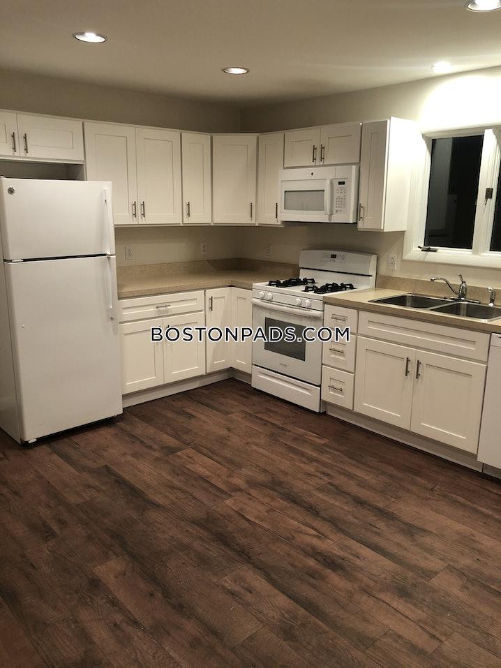 Salem - 2 Beds, 1 Bath - $1,900