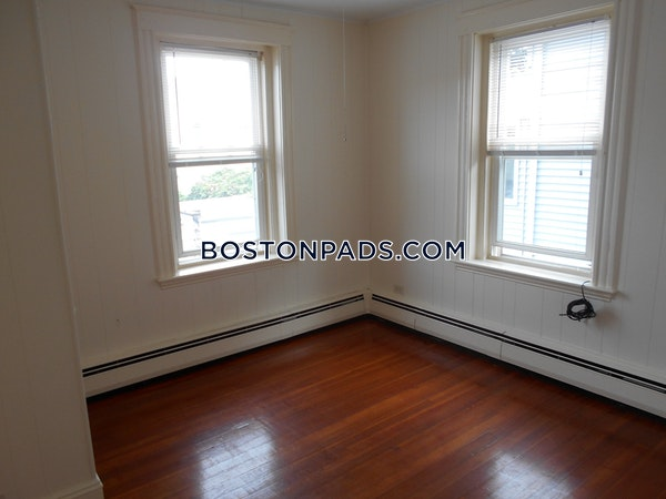 Salem Apartment for rent 3 Bedrooms 1 Bath - $1,950