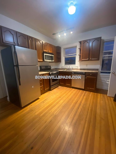 Tufts, Somerville, MA - 4 Beds, 2 Baths - $3,000 - ID#3825145