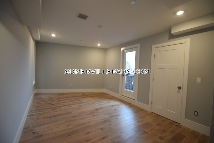 Somerville - Union Square - 1 Bed, 1 Bath - $2,900