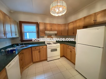 somerville-great-2-bed-1-bath-in-somerville-located-on-westminster-st-west-somerville-teele-square-2000-3825347