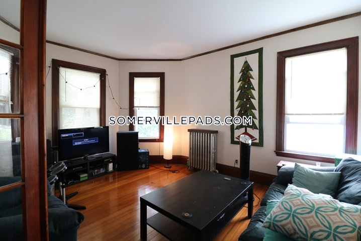 Somerville - Winter Hill - 4 Beds, 2 Baths - $3,300