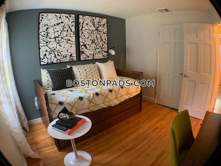Waltham - 2 Beds, 1 Bath - $2,660