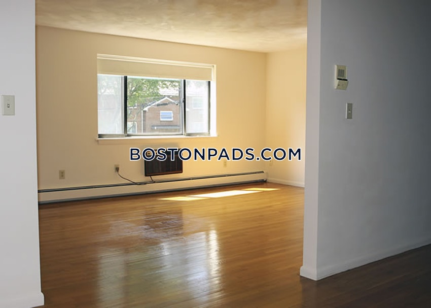 WALTHAM - 2 Beds, 1 Bath - Image 4
