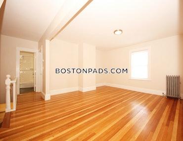 Auburndale, Newton, MA - 2 Beds, 1 Bath - $3,000 - ID#3824692